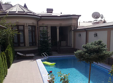 House at Mirzo Ulugbek district for rent in Tashkent